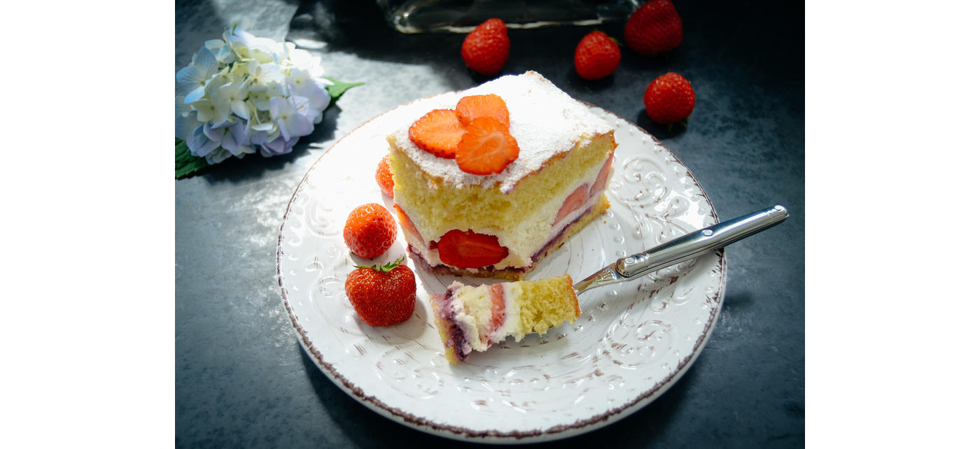 L0012444L06002_Fourchette_a_gateaux_Laguiole_tout_inox_Credit_photo_kochen-aus-liebe_ambiance_cheesecake